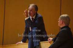 "Ingo Hülsmann, ""GOTT"", Berliner Ensemble, Berlin, Deutsche Urauffuehrung am 10.09.2020 (Photo: Christian Behring)"