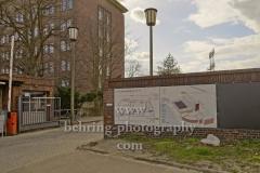 """Funkhaus Nalepastrasse, Einfahrt mit Lageplan, ehemaliger Sitz des Rundfunk der DDR mit grossem Sendesaal, """"STADTANSICHTEN"""", Berlin, 03.04.2020"""