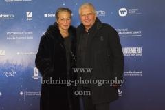 """Stasi-Unterlagenbeauftragter Roland Jahn und Ehefrau, """"LINDENBERG! MACH DEIN DING"""" (ab 16.01.2020 im Kino), Red Carpet Photocall, Berlin-PRemiere im Kino International, Berlin, 10.01.2020"""
