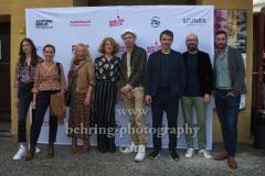 "Stephanie Wermeling (Cast), Mandy Rudski (Cast), Dulcie Smart (Cast), Rike Eckermann (Cast), Dietrich Brüggemann (Regie), Alexander Khuon (Cast), Martin Heisler & Maxim Juretzka (Produktion), ""NÖ"", Premiere beim ""Achtung Berlin Festival"", Kino BABYLON, 10.09.2021"