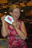 """Marion Kracht mit Maske posierend, """"Komoedie. Stadt. Strand"""", Photocall anlaesslich des Neustarts nach der Corona-Pause in der Komoedie am Kurfuerstendamm im Schiller Theater, Berlin, 09.08.2020"""