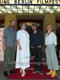 """Gisa Flake, Regisseur Michael Fetter Nathansky, Christina Große, Marc Ben Puch, """"SAG DU ES MIR"""", Photo Call zur Premiere vor dem Kino Babylon, Berlin, 19.09.2020,"""