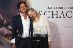 """Moritz von Treuenfels, Luisa-Celine Gaffron, """"SCHACHNOVELLE"""", Roter Teppich zur Berlin-Premiere im Kino International, 08.09.2021"""