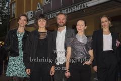 "Regisseurin Elisa Mishto, Katharina Schuettler, Julian Elting, Torben Kraemer, ""STILLSTEHEN"", Photo Call beim Festival ""Achtung Berlin"" vor dem Kino Babylon, Berlin, 18.09.2020,"