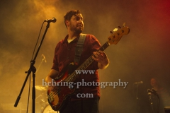 "Brendon Love (bass, banjo, vocals), ""The Teskey Brothers"", Konzert, Heimathafen Neukölln, Berlin, 07.02.2020"