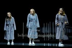 """Svenja Liesau, Vidina Popov, Katja  Riemann, """"Und sicher ist mit mir die Welt verschwunden"""", Fotoprobe am 22.10.2020 im Gorki Theater, Berlin, Premiere am 24.10.2020"""