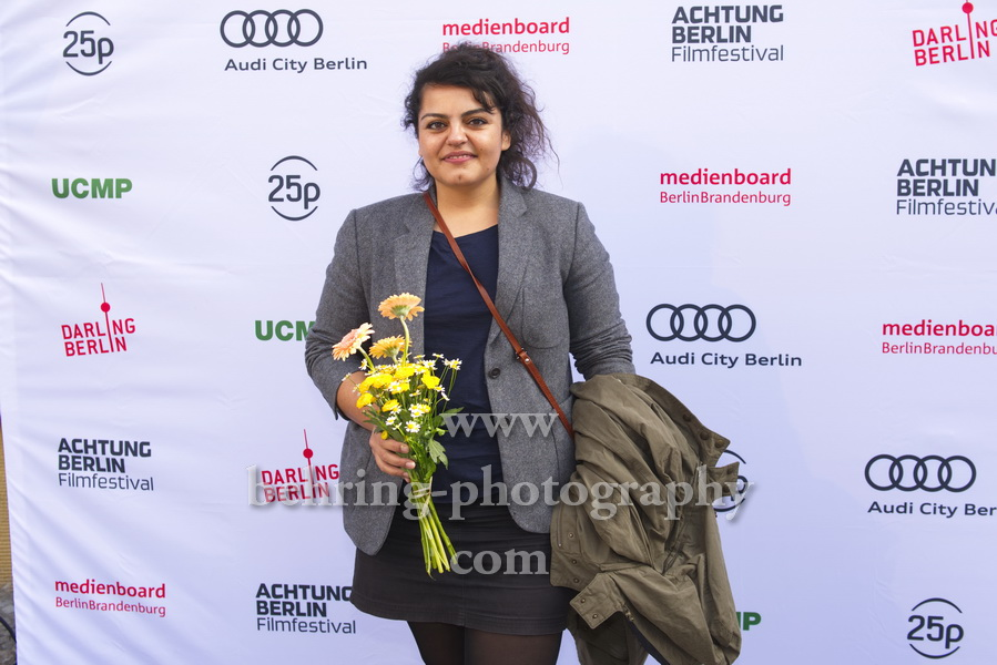 """Sara Fazilat, """"Jiyan"""", Photo Call vor dem Kino Babylon, Berlin, 19.09.2020,"""
